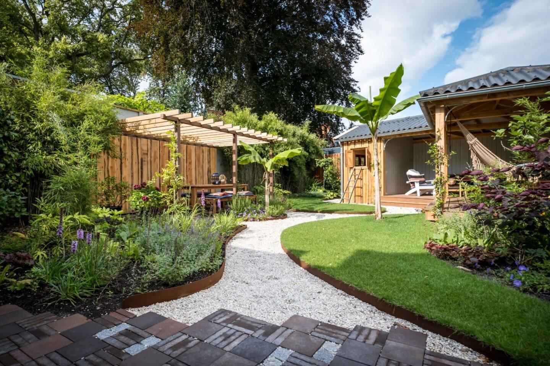 Tuinontwerp en tuinaanleg originele achtertuin